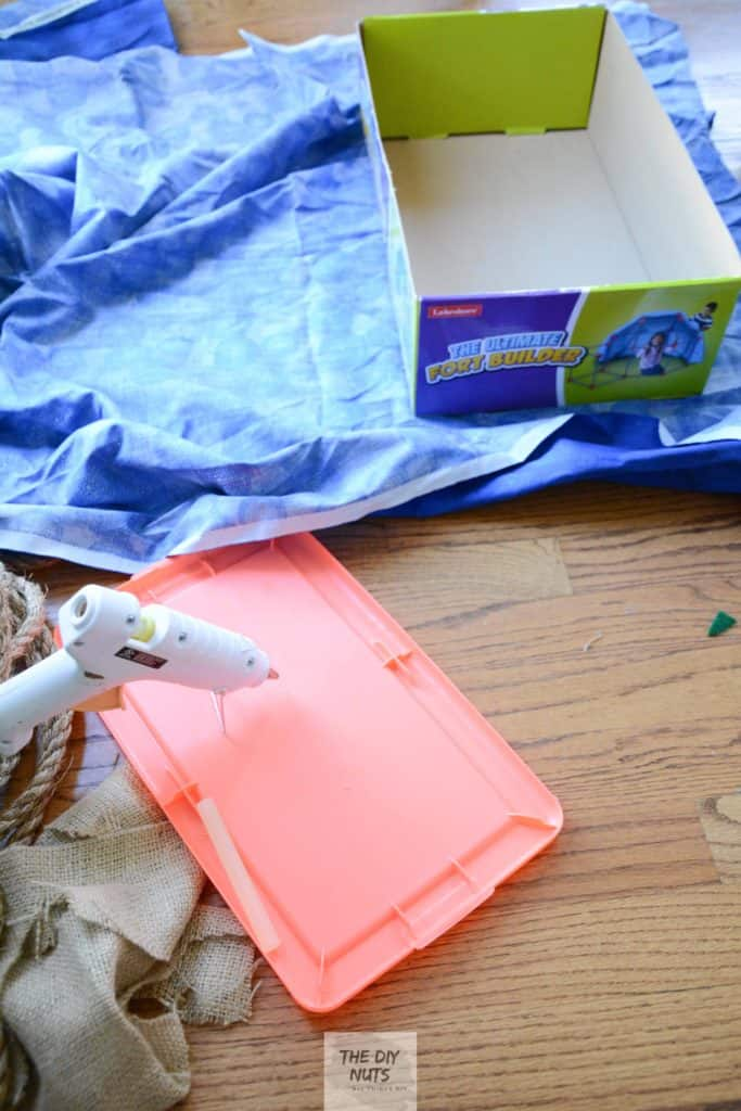 Glue gun with fabric and box lid
