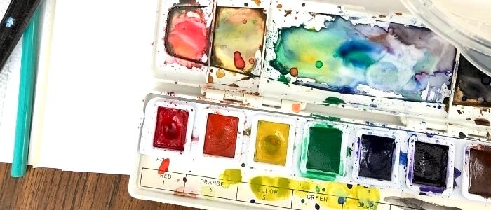 Watercolor set as best art supply