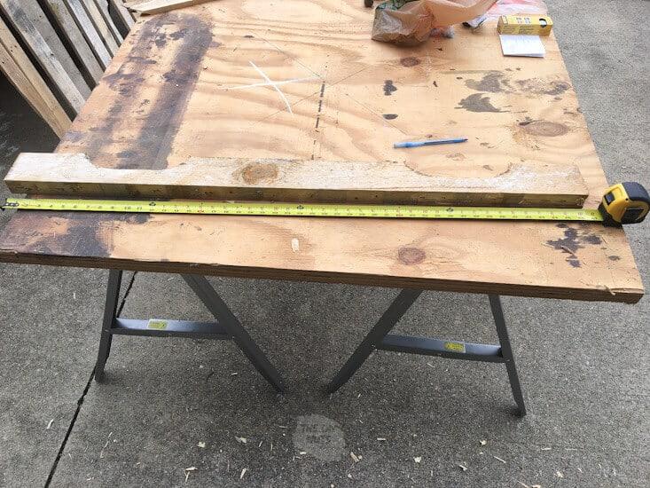 Pallet wood getting measured