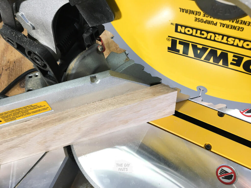 Dewalt saw making 45 degree angle for DIY shadow box frame
