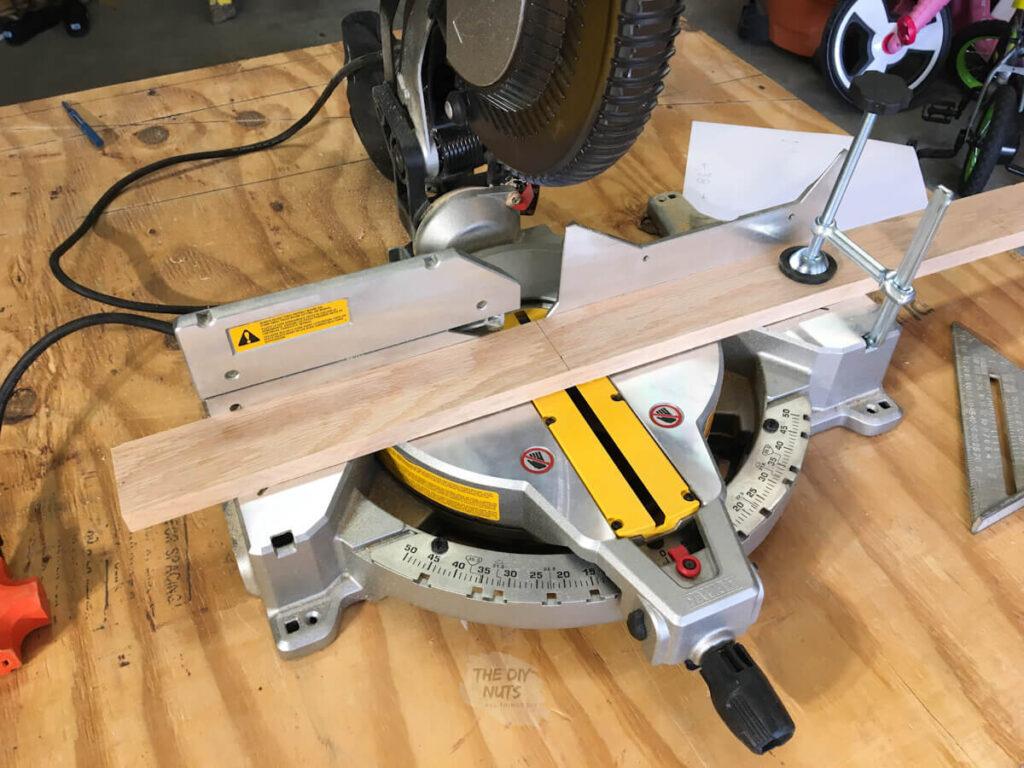 circular saw cutting wood to length